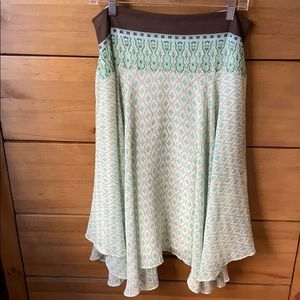 Banana Republic Green Silk Skirt / Size 12
